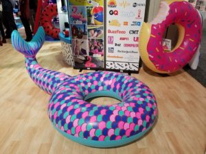 Tail - with donut